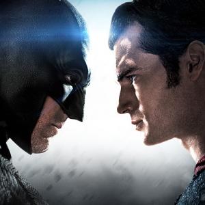 Wallpaper_Batman_v_Superman_V4_Portada_Twitter_JPosters