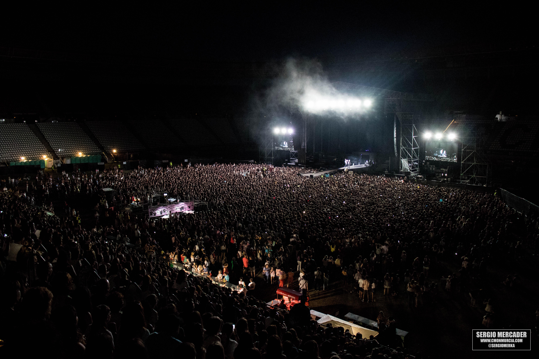 Bryan Adams Y Elton John Actuar 225 N En La Nueva Condomina De